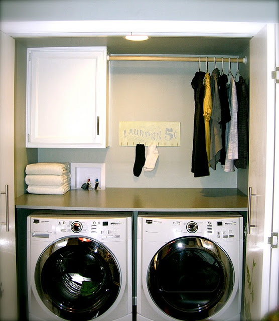 10 Tips to Organize a Small Laundry Room