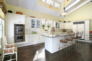 The Reasons White Kitchen Cabinets Will Always Be Popular