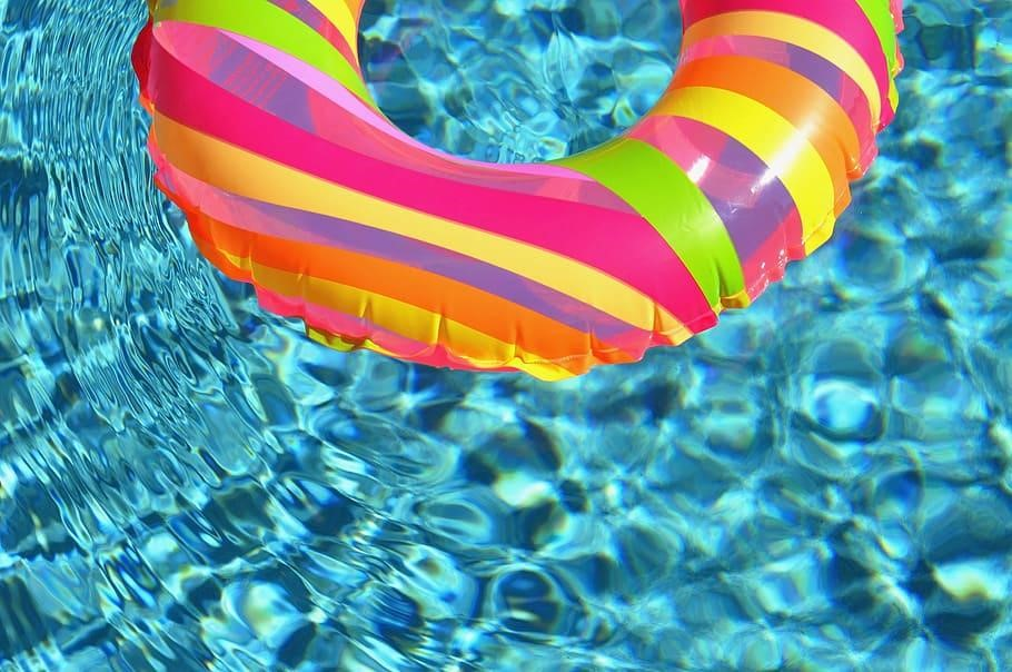 Top 10 Swimming Pool Accessories to Buy
